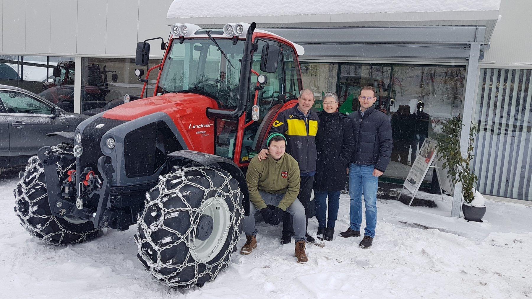 übergabe Lindner Geotrac 84ep An Familie Rainer Aus Moos Lagerhaus Gleinstätten